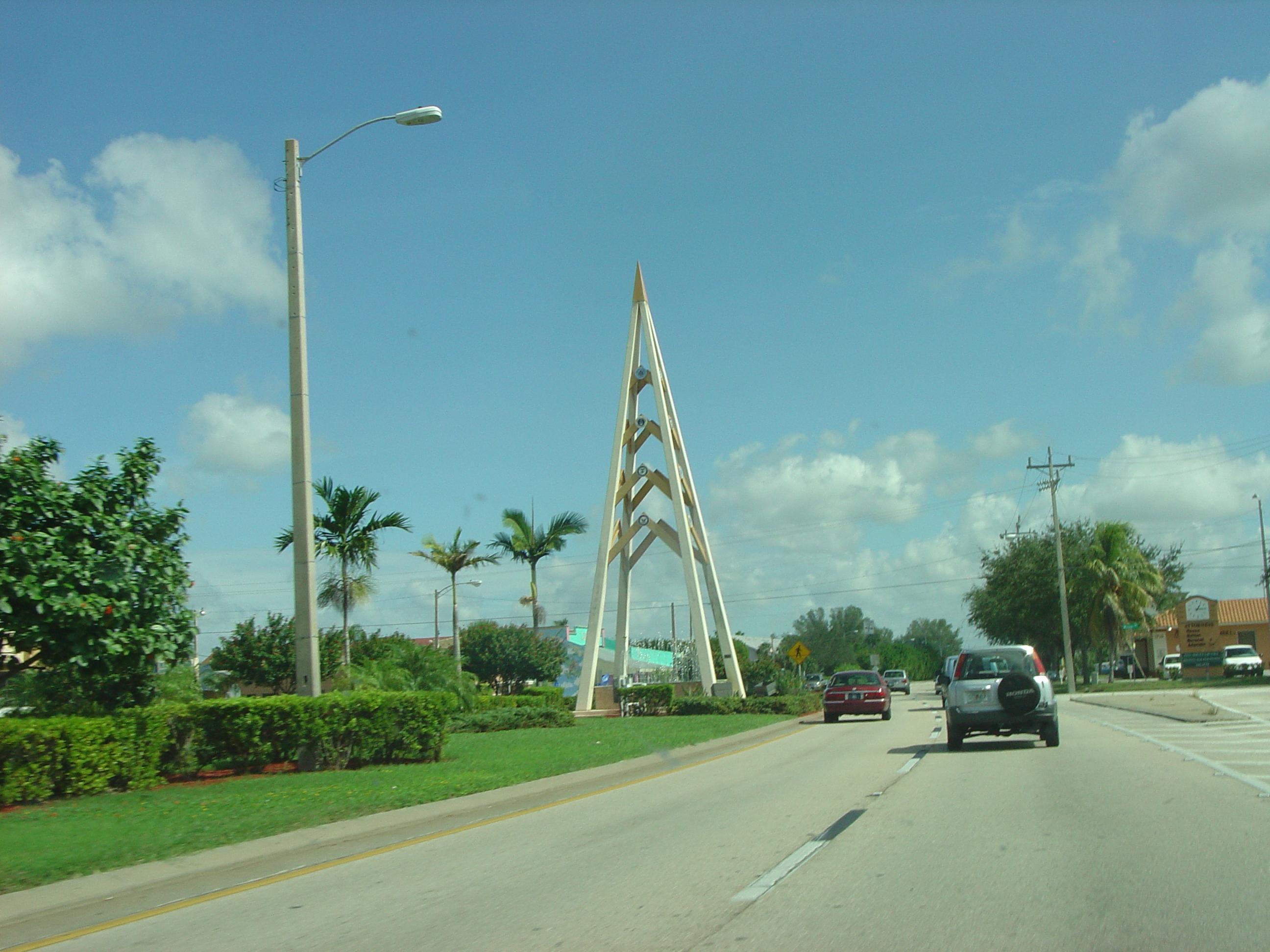 Cape_Coral_monument 2