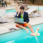 How to Maintain a Work/Life Balance Over the Holidays
