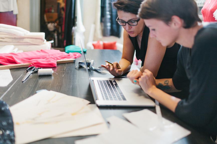Fashion Designer Job Description Sample Template Free Ziprecruiter