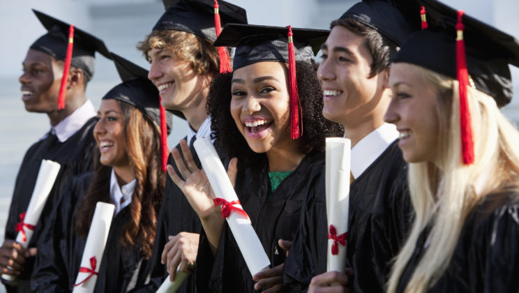4 Resume Tips for Students and Graduating Seniors