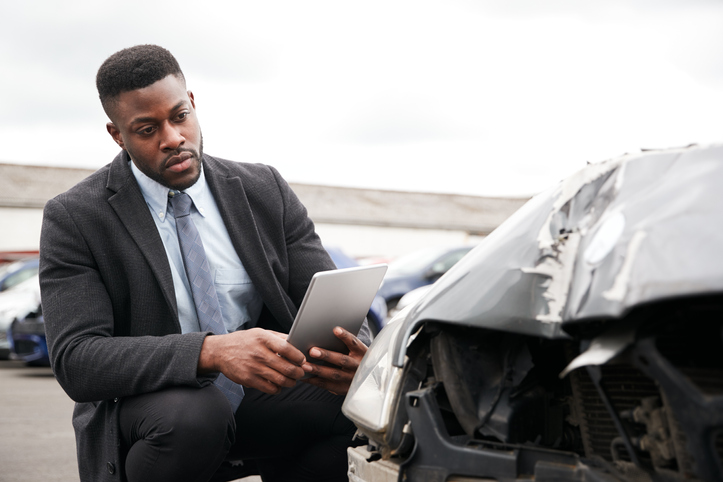 Auto Damage Adjuster: What Is It? and How to Become One?