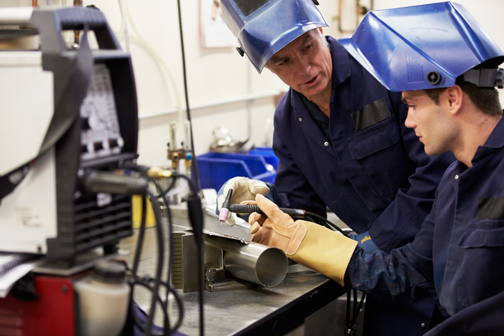 Welder Helper What Is It And How To Become One