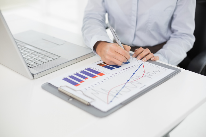 What Is a Freelance Financial Analyst and How to Become One Image
