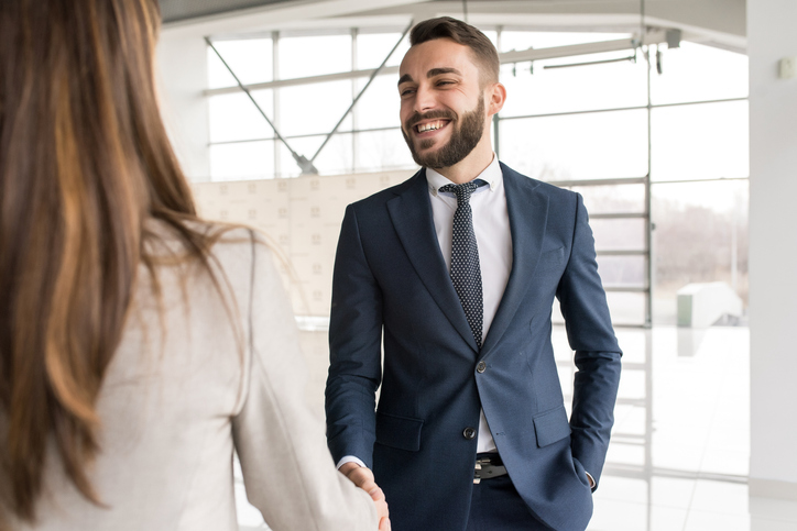 What Is an Outside Sales Representative and How to Become One Image