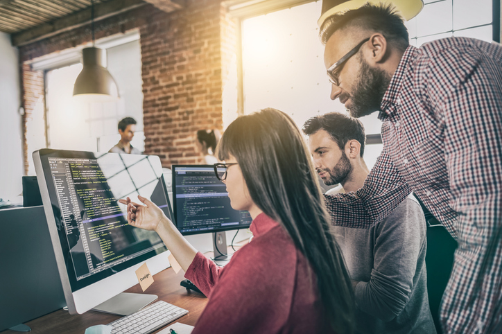 What Is a Software Engineering Manager and How to Become One Image
