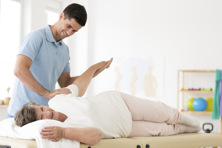 What Is a Chiropractor and How to Become One Image