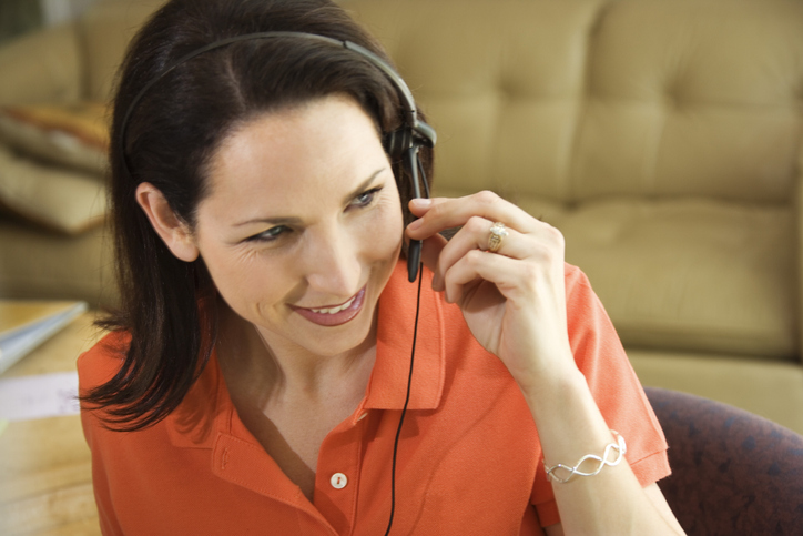 What Is a Remote Customer Service Agent and How to Become One Image