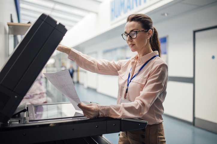 What Is an Administrative Assistant and How to Become One Image