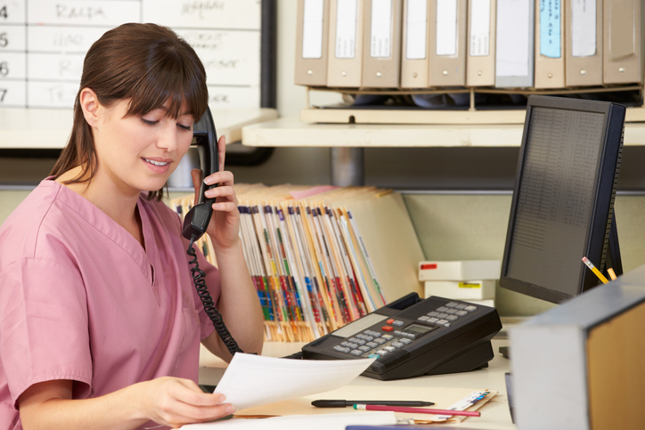 What Is a Medical Receptionist and How to Become One Image